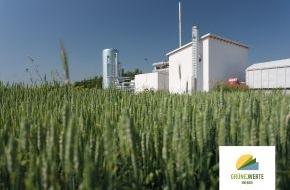 Grüne Werte Energie GmbH: Grüne Werte Energie GmbH eröffnet Kraft-Wärme-Anlage für REWE Logistikzentrum