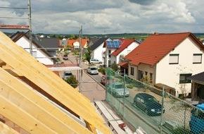"""LBS West: LBS-Studie belegt: Eigenheimbau entlastet auch den Miet-Wohnungsmarkt - NRW-Neubau noch zu gering / """"Wohn-Riester-Förderung nicht mit Pauschal-Kritik gefährden"""" -"""