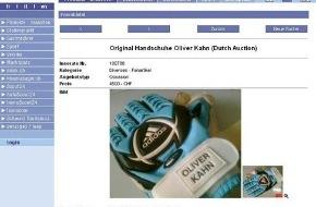 media swiss ag: Oliver Kahns Handschuhe auf Internet-Marktplatz