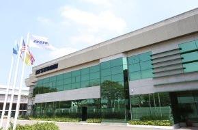 ZESTRON: Mit Umweltbewusstsein und Kundennähe zum Weltmarktführer -  ZESTRON / Dr. O. K. Wack Chemie GmbH eröffnet neues Produktions- und Entwicklungszentrum in Malaysia