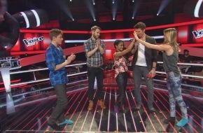 """SAT.1: Dieses """"Battle"""" zieht allen die Schuhe aus: Samuel (14), Sabeshni (12) und Hannah (14) rocken """"The Voice Kids"""" in Socken"""