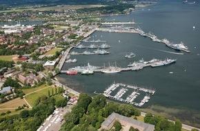 Presse- und Informationszentrum Marine: Bei der Marine wird's bunt - Mehr als 50 Marineschiffe aus zehn Nationen besuchen die Kieler Woche