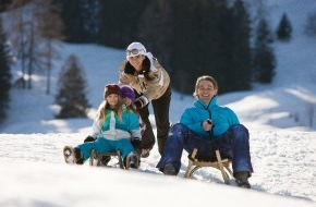 Alpenregion Bludenz: Auf Kufen rasant ins Tal: von der neuen Rodelsafari, Nachtrodeln und engen Kurven