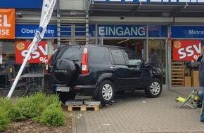 Polizeiinspektion Hameln-Pyrmont/Holzminden: POL-HM: Bremse mit Gas verwechselt - Pkw fährt in Verkaufsfläche