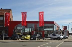 """KIA Motors Deutschland GmbH: Kia-Autohaus Engelbart in Delmenhorst eröffnet Neubau im markanten """"Red Cube""""-Design"""