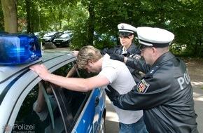 Polizeipräsidium Trier: POL-PPTR: Flüchtiger Autofahrer nach Verfolgungsfahrt gefasst