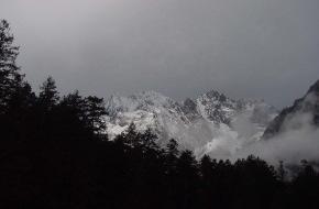 Schweiz Tourismus: Verschwisterung des Matterhorns (Zermatt) mit dem heiligen Schneeberg Yulong Snow Mountain (Lijiang, China)