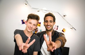 "SAT.1: YouTube-Star im Kinderzimmer: Sami Slimani überrascht ""The Voice Kids""-Talent Robin (13)"