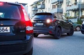 HUK-Coburg: Auf Parkplätzen kracht es besonders häufig / BGH: Wer rückwärtsfährt, ist nicht immer schuld - Rückwärtsfahren muss auch bewiesen werden