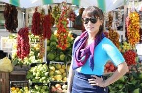 """sixx GmbH: Rachel Khoo kocht sich durch den Kontinent: """"Europa in meiner Küche"""" ab 11. Oktober 2014 immer samstags ab 12:25 Uhr in Doppelfolgen auf sixx (FOTO)"""