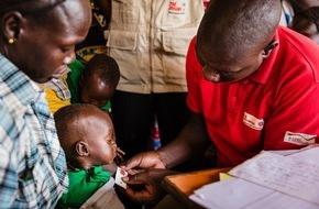 Johanniter Unfall Hilfe e.V.: Südsudan: Johanniter versorgen Vertriebene in Wau / Rund 100.000 Menschen sind auf der Flucht
