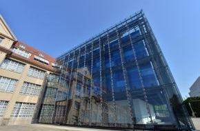 ZKM Karlsruhe: Das ZKM wird 25! ZKM Karlsruhe präsentiert Ausstellungsprogramm der ersten Jahreshälfte 2014