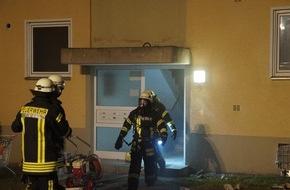 Freiwillige Feuerwehr Menden: FW Menden: 39 Personen nach Kellerbrand in Sicherheit gebracht