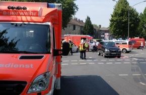Feuerwehr Gelsenkirchen: FW-GE: Verletzte Person nach Verkehrsunfall in Gelsenkirchen Buer