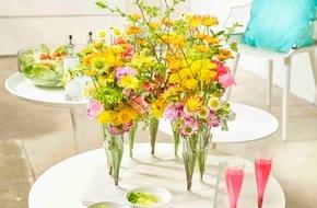 Blumenbüro: Fröhliche Momente mit Chrysanthemen / Die Chrysantheme als blühender Gast auf der Sommerparty