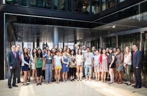 Santander Consumer Bank AG: Cologne Summer School-Studenten besuchen Santander Unternehmenszentrale