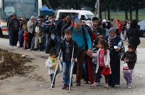 Caritas Schweiz / Caritas Suisse: Flüchtlingskrise in Griechenland / Caritas erhöht Not- und Überlebenshilfe