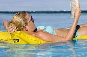 Börsenverein des Dt. Buchhandels e.V.: Leute gucken, lesen, quatschen - Was Schwimmbadbesucher außerhalb des Wassers machen / Repräsentative Umfrage von Vorsicht Buch!