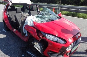 Polizeiinspektion Cuxhaven: POL-CUX: Vollsperrung nach Unfall auf A 27 - Polizei stellt Smartphone sicher