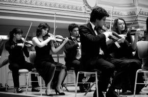 Schweizer Jugend-Sinfonie-Orchester: Schweizer Jugend-Sinfonie-Orchester - Eröffnung Herbsttournee mit Konzerten in Schaffhausen, Zürich, La Chaux-de-Fonds, Glarus, Bern und Solothurn (23.10. bis 8. November 2009)