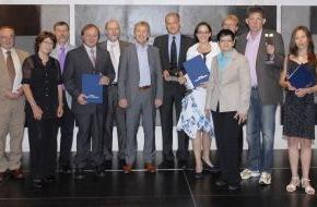 Stiftung RUFZEICHEN GESUNDHEIT!: Stiftung RUFZEICHEN GESUNDHEIT! vergibt heute ihren Gesundheits- und Medienpreis 2010