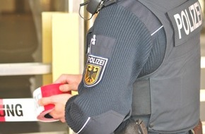 """Bundespolizeidirektion München: Bundespolizeidirektion München: Kosovare drohte mit """"Baretta"""" Mehrere Widerstandshandlungen gegen Bundespolizisten am Wochenende"""