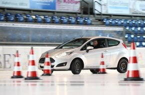Touring Club Schweiz/Suisse/Svizzero - TCS: Test TCS de pneus d'hiver 2014 - les meilleurs sont très performants
