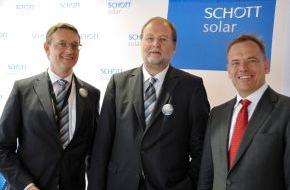 SCHOTT AG: Intersolar Europe 2011: SCHOTT Solar in schwierigem Umfeld weiter auf Wachstumskurs (mit Bild)