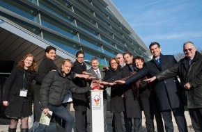 McDonald's Kinderhilfe Stiftung: Mit pochendem Herzen: 20. Ronald McDonald Haus in Sankt Augustin eröffnet (FOTO)
