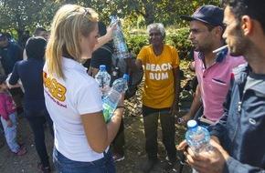"""Aktion Deutschland Hilft e.V: Hilfe für Flüchtlinge: Tausende Menschen fliehen weiterhin über die Balkan-Route / Bündnisorganisationen von """"Aktion Deutschland Hilft"""" verteilen Medikamente, Lebensmittel, Wasser, Decken und Zelte"""