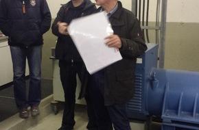 Feuerwehr Arnsberg: FW-AR: Feuerwehr-Führungskräfte erhalten wichtige Informationen bei Begehung des Karolinen-Hospitals