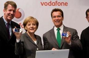 """Vodafone GmbH: CeBIT 2009: Joussen: """"Schnelles Internet für alle zum Greifen nah"""" - Bundeskanzlerin Merkel und Schwarzenegger vom schnellen Internet für ländliche Regionen überzeugt"""