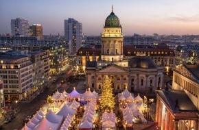 alltours flugreisen gmbh: Immer mehr Deutsche verreisen im Advent zu den schönsten Weihnachtsmärkten Europas / Glühwein und Spekulatius - Citytrips boomen im November und Dezember