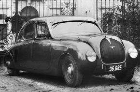 Skoda Auto Deutschland GmbH: Stromliniendesign aus den 30er Jahren: SKODA 935 Dynamic auf der Schloss Bensberg Classics