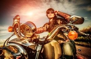 SFZ Schweizerische Fachstelle für Zweiradfragen: Frauen fahren ab auf Töffs und Roller