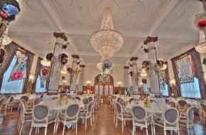 Grand Hotel Les Trois Rois: Gala-Dernière s'Ridicule 2012 im Grand Hotel Les Trois Rois | Donnerstag, 23. Februar 2012