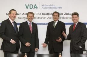 VDA Verband der Automobilindustrie e.V.: VDA stellt Zukunftskonzept für alternative Kraftstoffe und Antriebe vor