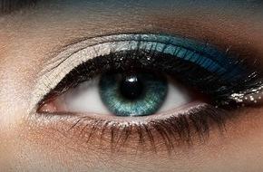 Alcon Air Optix Colors Farbkontaktlinsen: Einfach mal blau machen / Umfrage(1) von TNS Emnid und AIR OPTIX® COLORS Farbkontaktlinsen zeigt: Fast die Hälfte der Befragten bevorzugt blaue Augen