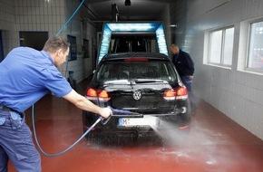 ADAC: Auto waschen ohne Ärger: ADAC-Tipps rund um Waschanlagen und Co.