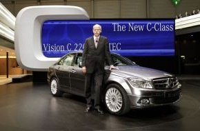 Daimler AG: Mercedes-Benz at the 77th Geneva Motor Show / Triple premiere for the new C-Class