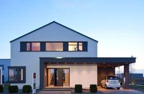 Bien-Zenker GmbH: Der Traum vom Haus - mit einem Plus an Energie / Immobilie und E-Mobilität wachsen zusammen / Nachhaltigkeit bestimmt den Hausbau / Fraunhofer-Institut monitort die Energieeffizienz (mit Bild)