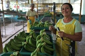 Max Havelaar-Stiftung (Schweiz): Jahresergebnis 2015 der Max Havelaar-Stiftung (Schweiz) / Schweizerinnen und Schweizer kaufen für über 500 Millionen Franken Fairtrade-Produkte
