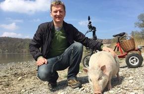 """Rundfunk Berlin-Brandenburg (rbb): Michael Kessler auf Expedition """"Mit Schwein am Rhein"""" - Zweiteiliges Reiseabenteuer am 22. und 29. Juli im rbb"""
