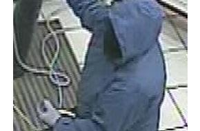 Polizeipräsidium Mittelfranken: POL-MFR: (1123) Geldautomat gesprengt - Bildveröffentlichung und Belohnung