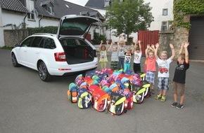 Skoda Auto Deutschland GmbH: SKODA und Sternjakob spenden Kofferraum voller Scout an sozial benachteiligte Kinder