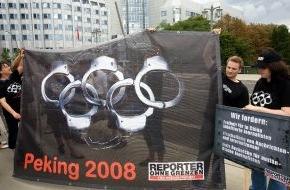 Reporter ohne Grenzen e.V.: Olympia-Eröffnung: ROG protestiert weltweit / Online-Demo vor Stadion / Piratensender in Peking zu Presse- und Meinungsfreiheit