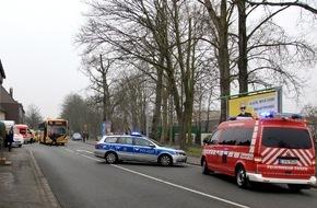 Feuerwehr Essen: FW-E: Verkehrsunfall mit Linienbus, fünf Personen verletzt