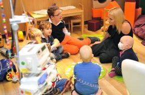 McDonald's Kinderhilfe Stiftung: Sarah Connor unplugged: Schirmherrin besucht Ronald McDonald Oase in Erlangen