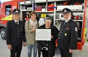Freiwillige Feuerwehr Bedburg-Hau: FW-KLE: Spende ermöglicht Kinderstation neuen Spielplatz / Freiwillige Feuerwehr Bedburg-Hau unterstützt Klever Kinderklinik