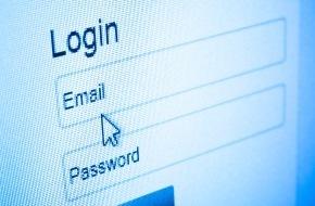 CosmosDirekt: Leichtes Spiel für Hacker: Jeder zweite Internetnutzer ändert sein E-Mail-Passwort seltener als einmal im Jahr